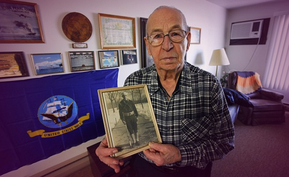 Pearl Harbour veteran celebrates 105th birthday in gym